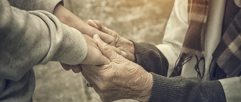 Percorsi di volontariato: l'aiuto di Aurora ai senzatetto, ai malati e agli anziani