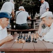 """Percorsi di volontariato: l'associazione di Paolo si chiamerebbe """"AiutiAMO gli anziani"""""""