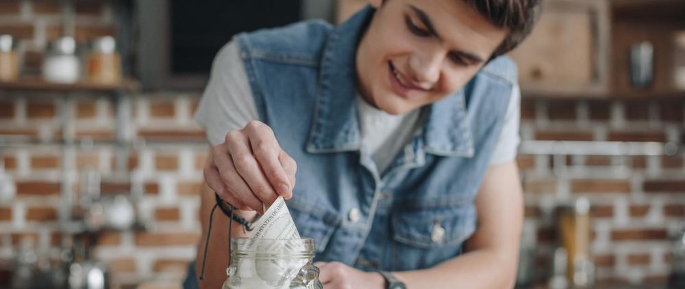 Percorsi di volontariato: Matteo vuole devolvere i soldi alle persone bisognose